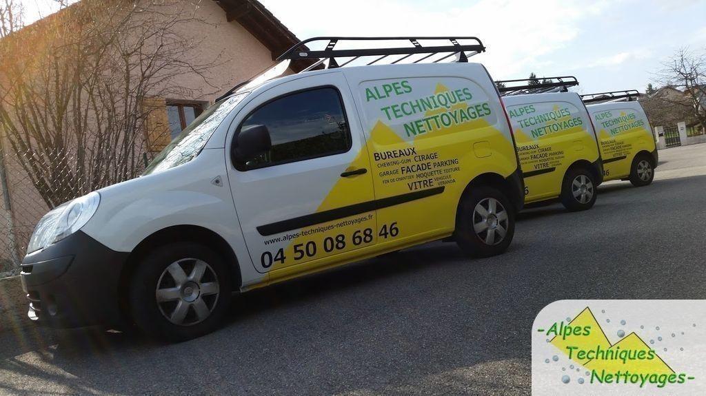 Publicité sur véhicules utilitaires de société de nettoyage